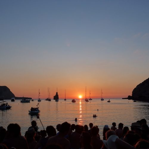 Cala Benirras – Don´t miss the Sunday sunset drums