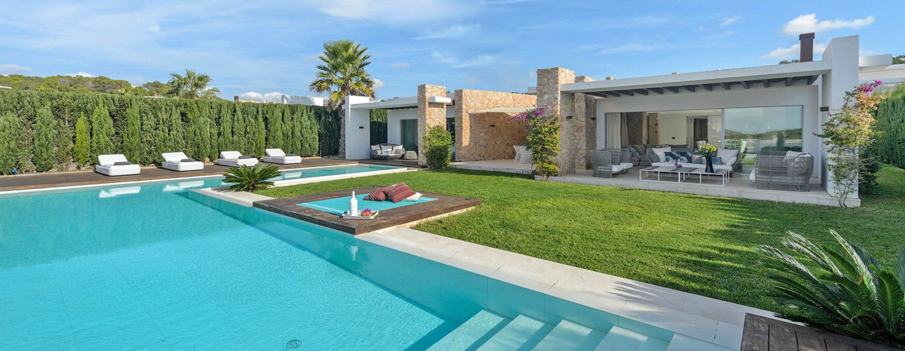 4 Bedroom Villa near Sant Josep to rent